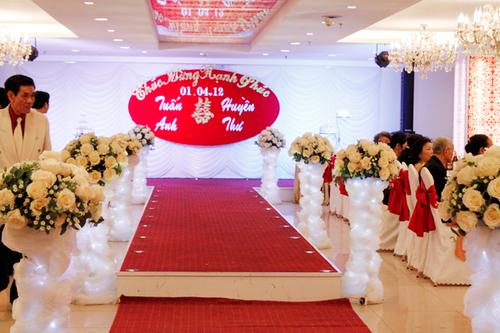 Hoa lụa đẹp trong đám cưới của cô người mẫu 9x xinh đẹp