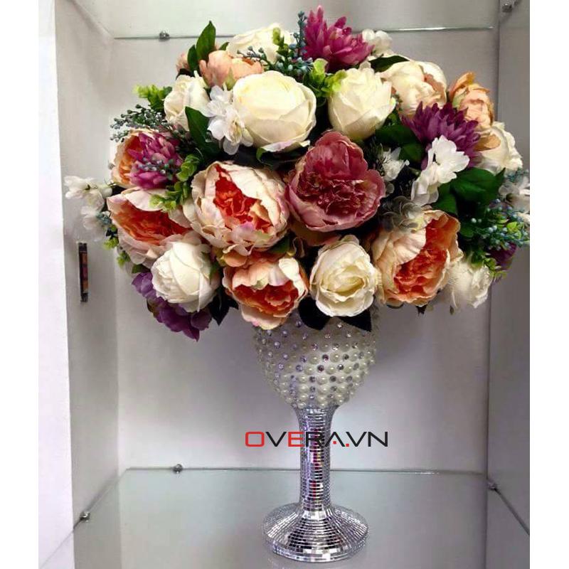 Sang trọng hơn với hoa giả lụa cao cấp để bàn ở Hà Nội
